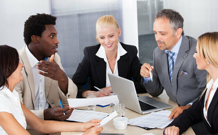 5 reasons why you should pursue the Diploma of Business administration course